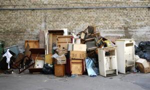 senų baldų išvežimas